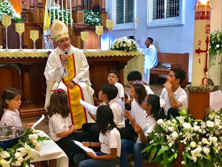 EasterVigil2019_01_withkiddies