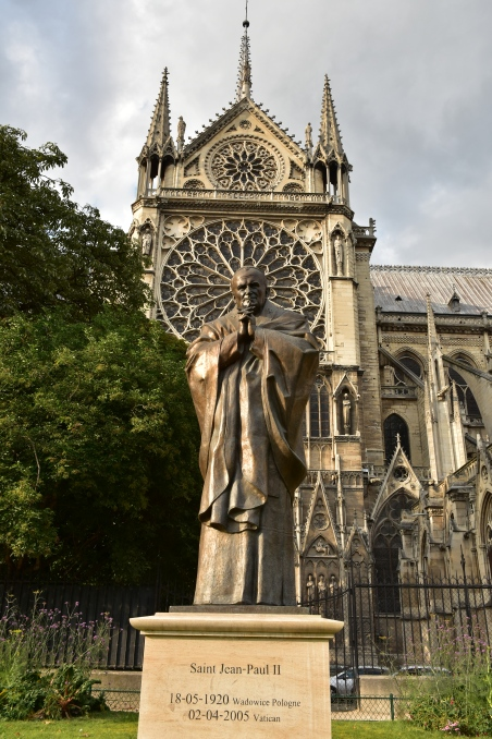 Statue of Saint Jean-Paul II Notre-Dame de Paris Tsereteli 2014