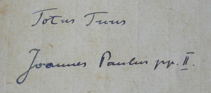 TotusTuus Autograph