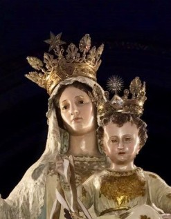 Queen and Beauty of Carmel, pray for us!