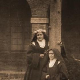 saint-therese-of-lisieux26 Celine prise de voile (2)